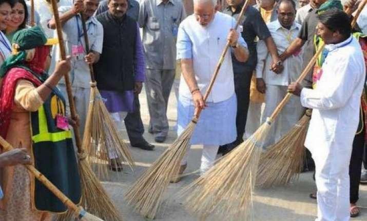 narendra modi keep momentum going for swachh bharat