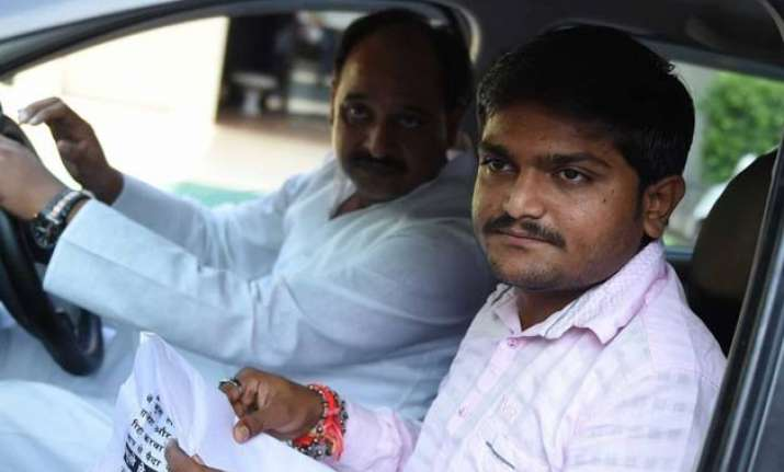 mobile internet banned in rajkot as hardik patel warns stir