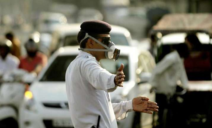 odd even formula air pollution increases by 50 in first week
