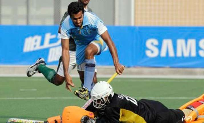 malaysia dash india s gold medal hopes in hockey