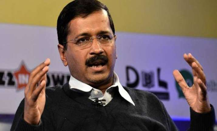 delhi government to send food packets drinking water to
