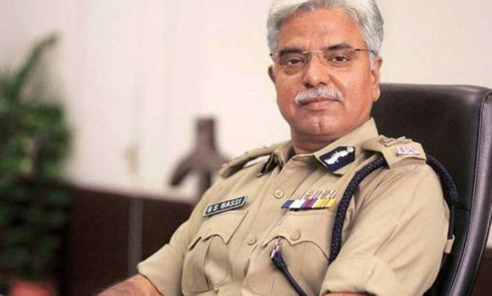 alok verma to succeed b s bassi as commissioner of delhi