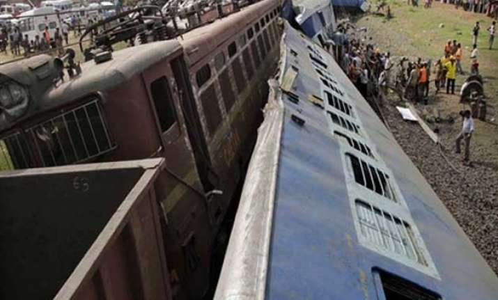 derailment kills one in bengal disrupts train movement