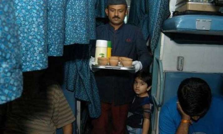 irctc to provide free food to passengers delayed due to fog