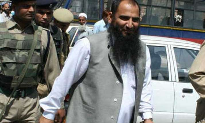 mufti govt s decision to release masarat alam puts mha on