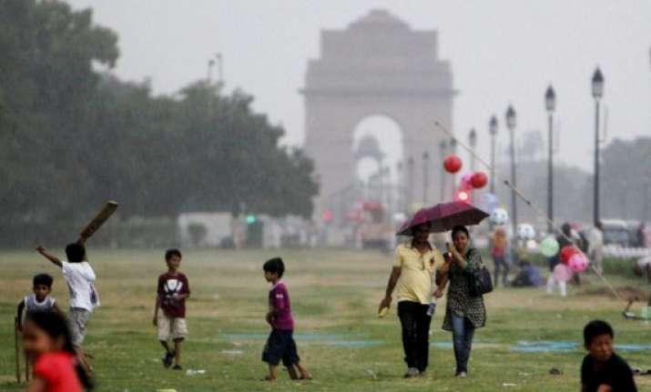rainy tuesday in delhi