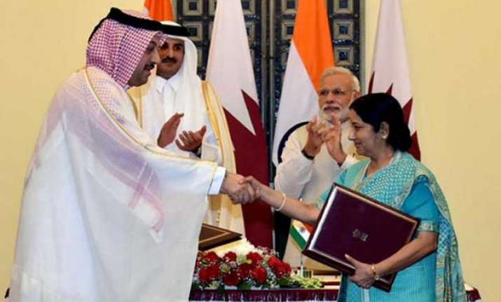 india qatar ink six pacts discuss energy during emir s visit