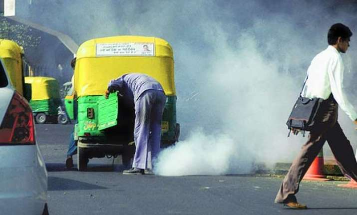delhi govt aims to make city roads dust free