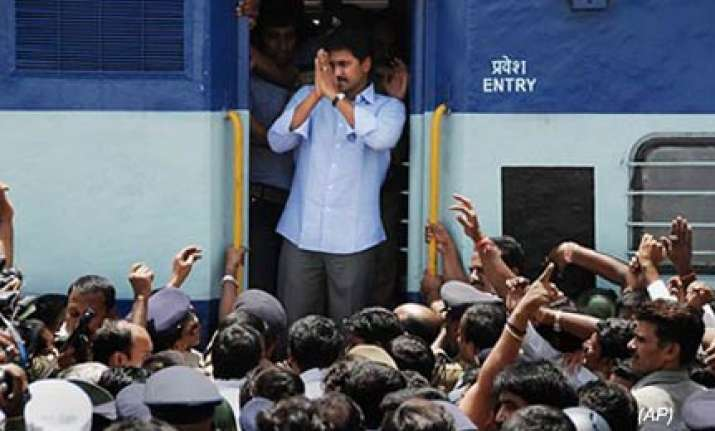 jaganmohan postpones yatra by a month