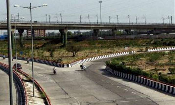 delhi govt to redesign city roads at a cost of rs 5 000