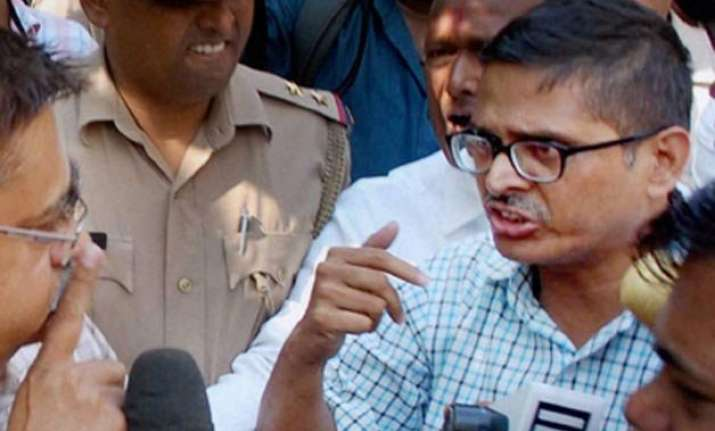 ips amitabh thakur s house searched by vigilance sleuths
