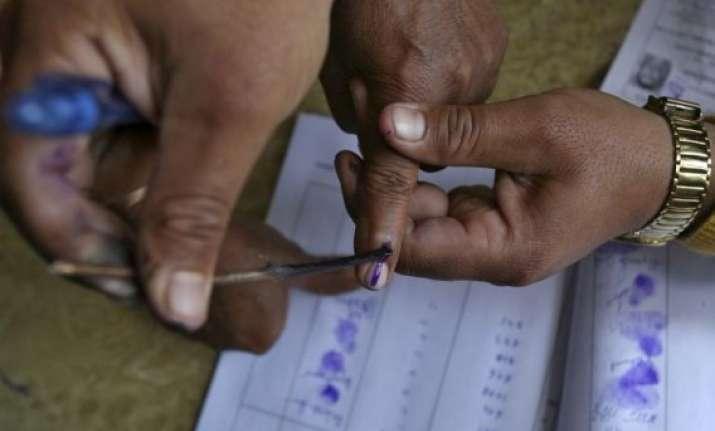 brisk polling in maharashtra