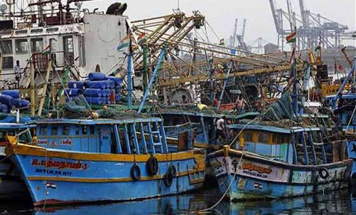 42 indian fishermen held by pakistan maritime security