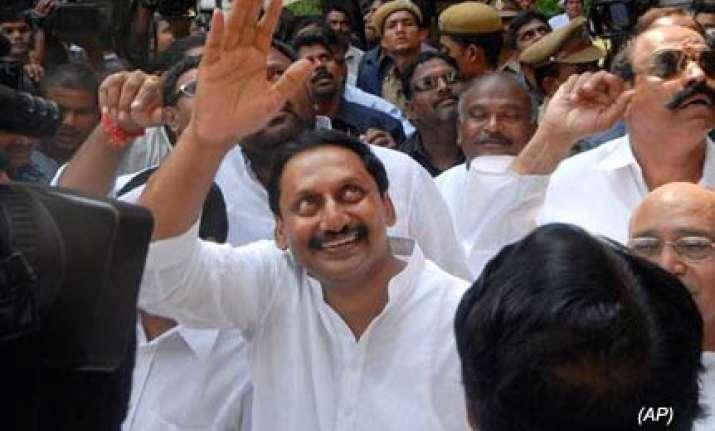 kiran says will go by congress on jagan telangana issues