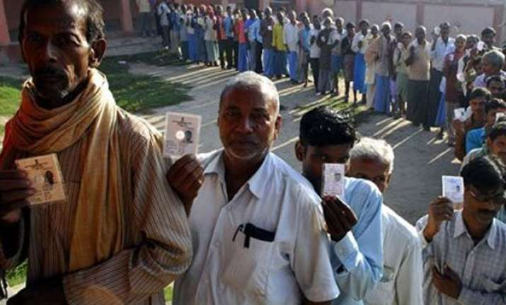 mockery of voting rights in bihar adults 6.01 cr but voters