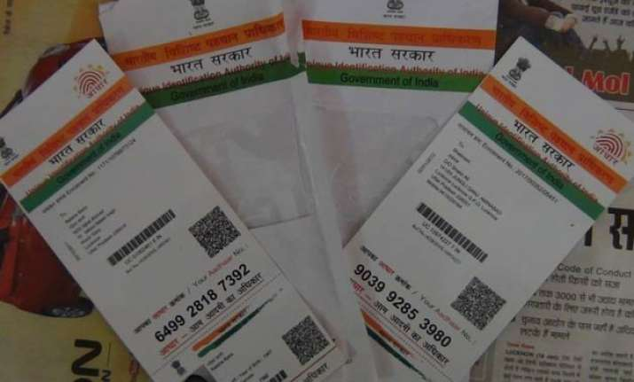 maharashtra electoral office to link voter ids with aadhaar