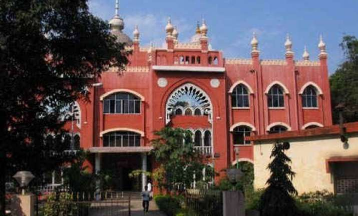 madras high court directive in dispute over temple