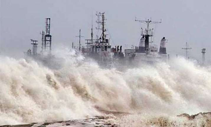 cyclone nilofer to hit gujarat coast with reduced intensity