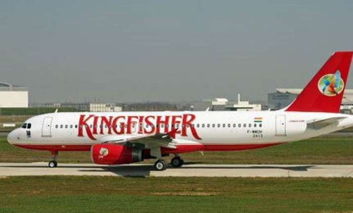 kingfisher mishap averted at mumbai airport