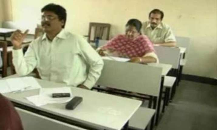 five judges in andhra suspended for copying in exam