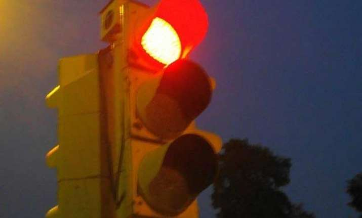 delhi may soon get smart traffic lights
