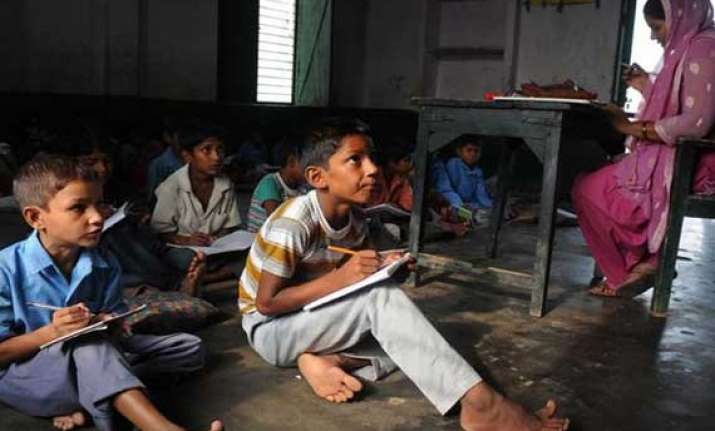 india needs 9 lakh primary school teachers up worst hit