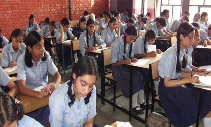 maharashtra permits five days working week for schools