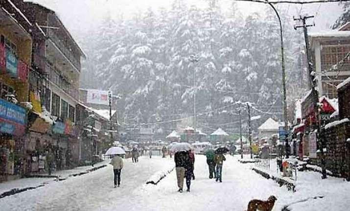 manali gets more snowfall