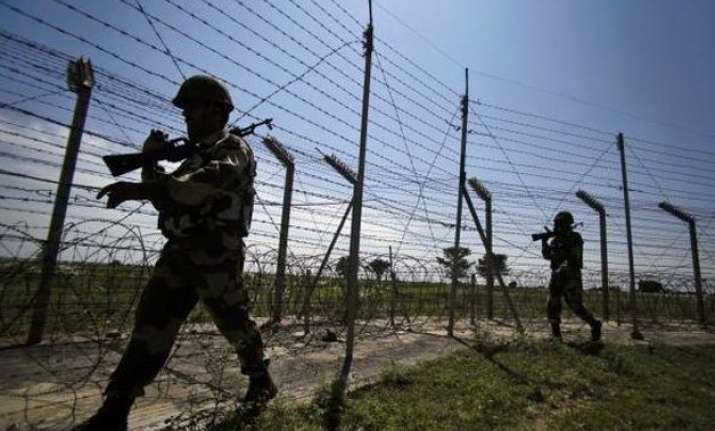 pakistan violates ceasefire along loc in poonch jawan killed