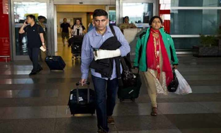 people from karnataka stranded in nepal returning in batches