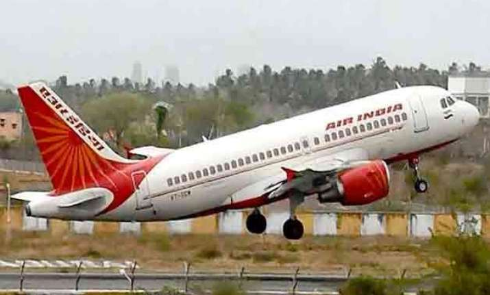 passenger falls ill on delhi mumbai flight dies