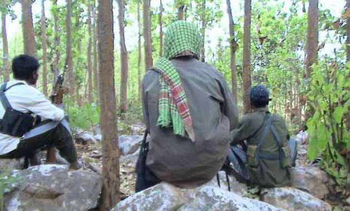 top maoist leader roopesh his wife shina arrested in kerala
