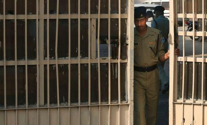 undertrial beaten to death in up jail inmates clash 26 hurt