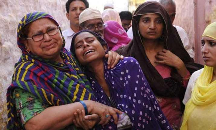 dadri lynching hindu family gives shelter to victim s family