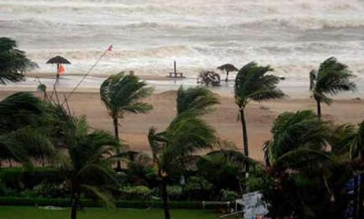 cabinet secretary review preparedness for hudhud cyclone