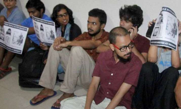ftii row standoff continues students to meet mos next week