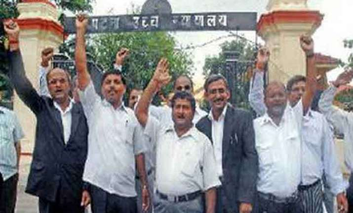 over 10 000 patna hc lawyers abstain from work