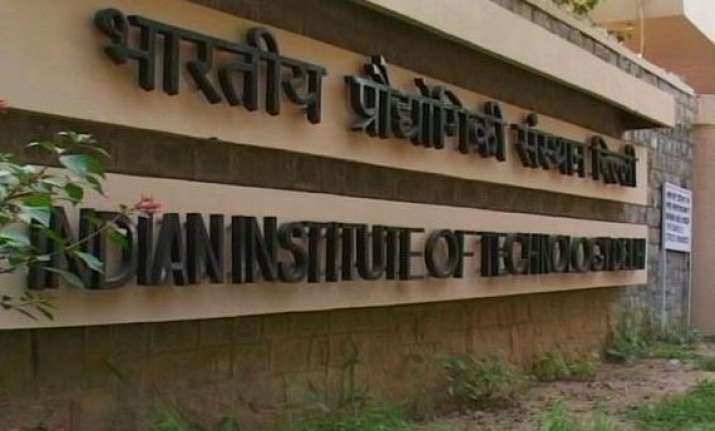 iit delhi faculty asks director to withdraw resignation