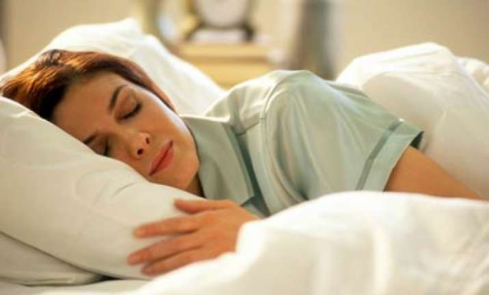 keeping light on while sleeping can induce obesity