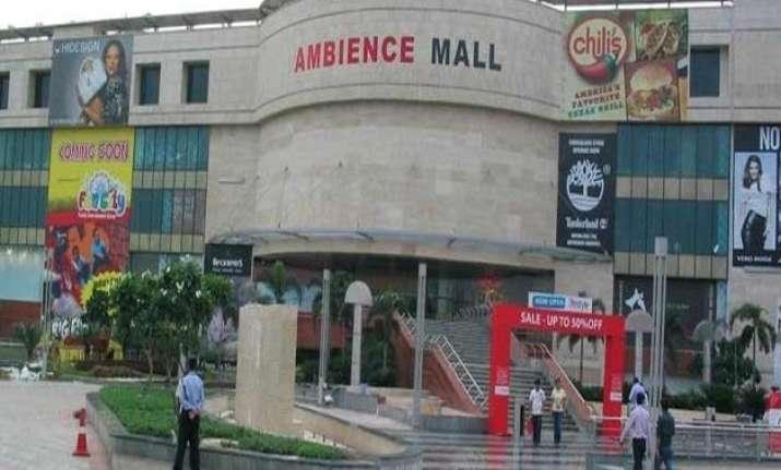 delhi mall gets bomb threat call