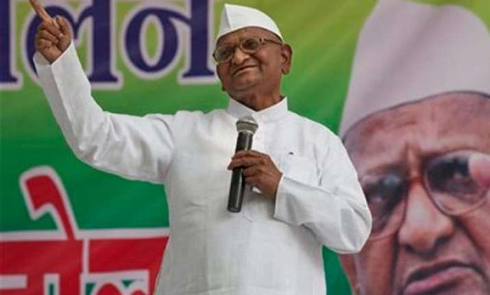 anna hazare calls off farmers march against land bill