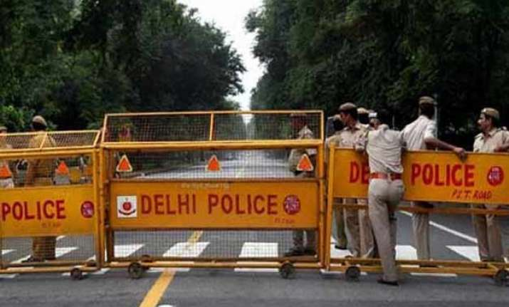 wanted man killed in encounter with delhi police