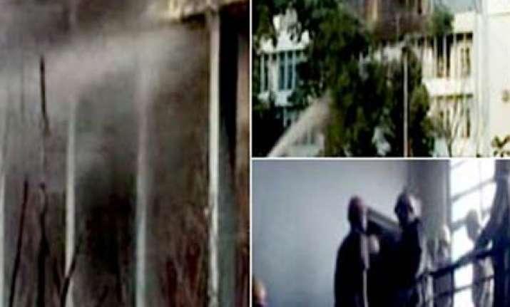 fire at kolkata s presidency university