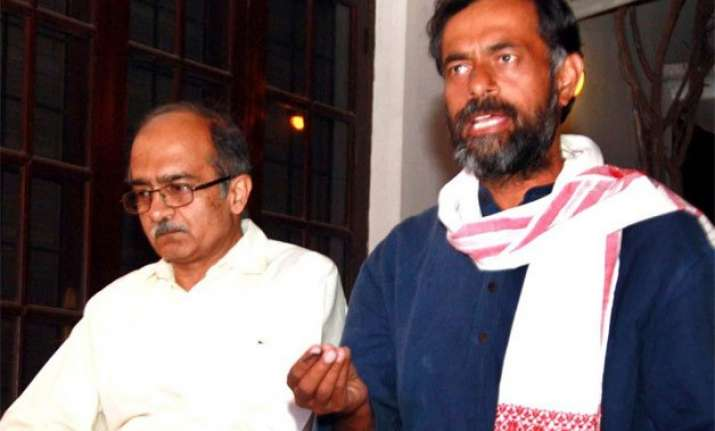 aap set to serve final notice to rebels yadav and bhushan