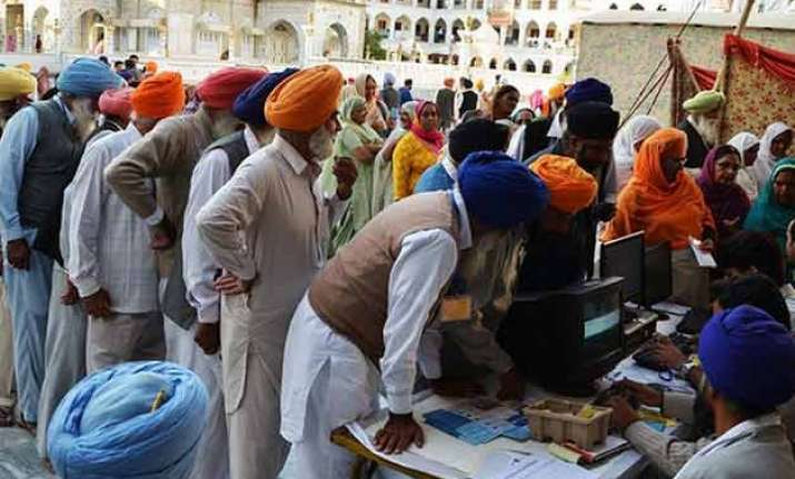 centre to grant citizenship to persecuted hindus sikhs