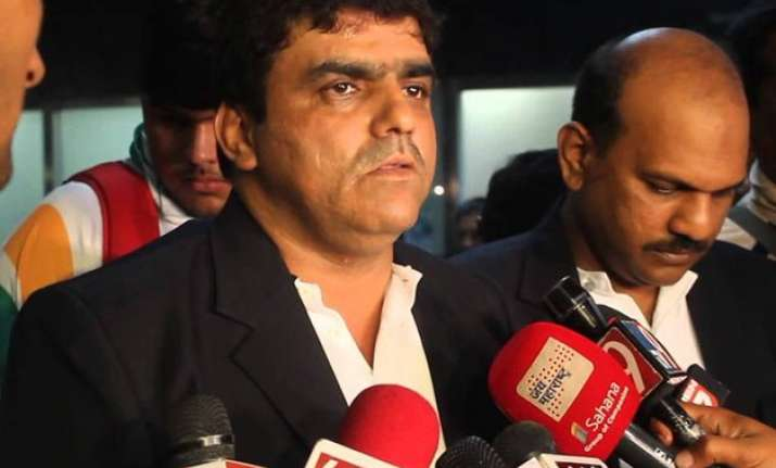 dawood ibrahim aide riyaz bhati arrested from mumbai airport
