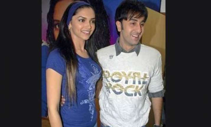 ranbir checks out on learning deepika is in same hotel