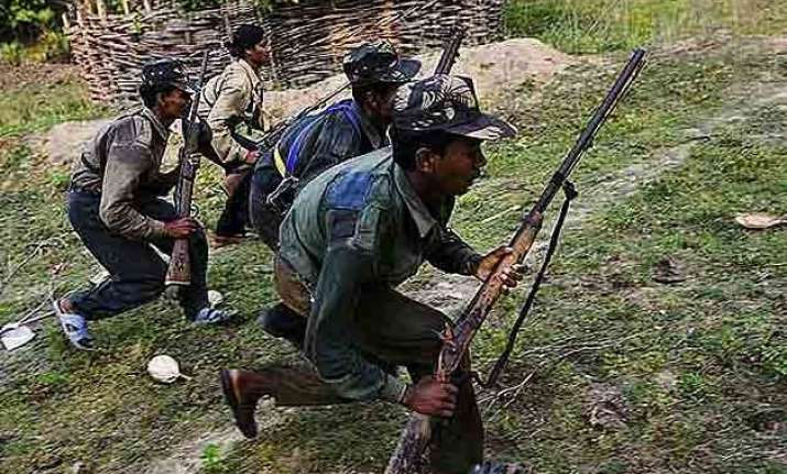 4 police officials abducted by naxals in chhattisgarh