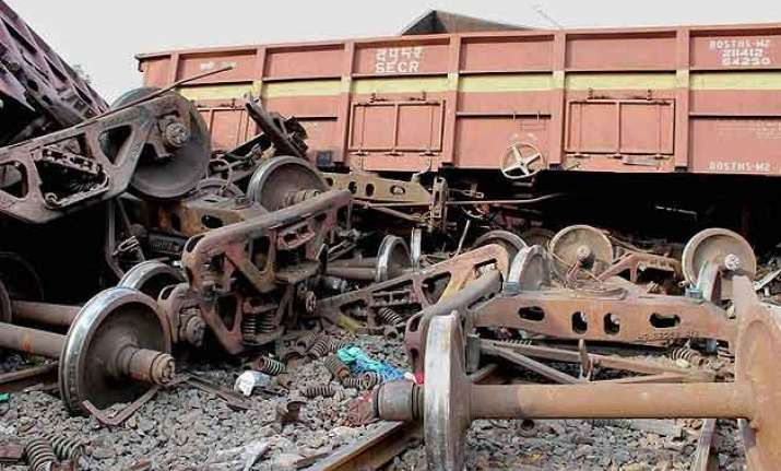 west bengal train derails two killed in collision