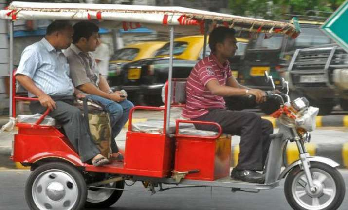 legalising e rickshaws in delhi hindrances persist